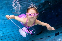 Underwater kids Photography Girl dresssed as fairy underwater baby babies children Milton Keynes